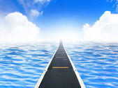 A road leading into the sky — Stock Photo