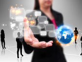 Zakenvrouw bedrijf touchscreen — Stockfoto
