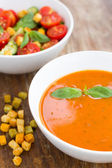 Plate of minestrone soup with cherry tomato — Stockfoto