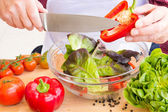 Man preparing healthy salad — Stock Photo