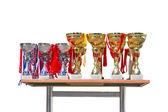 Guld och silver cup troféer isolerad på vit. — Stockfoto