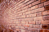 Grunge brick wall and vintage light — Стоковое фото