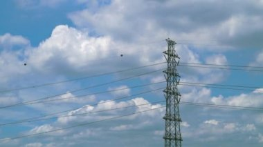 Time lapse of A High voltage towers with blue sky and clouds — Stock Video