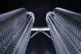 Malaysia - Petronas Towers - Kuala Lumpur — Stock Photo