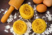 自家製イタリアン パスタ、卵、小麦粉 — ストック写真