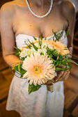 Wedding flower with bride — Stock fotografie