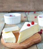 Brie cheese and cranberries — Photo