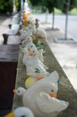 Duck statue on the wall at Wat Phra Prathon Chedi — ストック写真