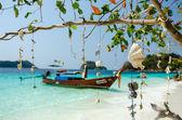 Windbell shell mobile over ocean in Thailand — Foto de Stock