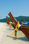 Thai wooden boats at Adang-Rawi island near Koh Lipe in Satun, T — Stock Photo