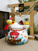 HONG KONG - MARCH 28: Lucky Cat, Ngong Ping Village, Lantau Island, Hong Kong on March 28, 2014. Part of popular wishing tree that is richly adorned with the wishes of countless visitors — Stock Photo