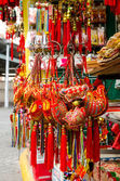 Street Markets next to the Sik Sik Yuen Wong Tai Sin Temple in Hong Kong — Stock Photo