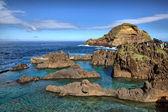 Natural lava-rock pools in Porto Moniz, Madeira, Portugal — Stock fotografie