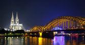 科隆大教堂和霍亨索伦大桥 — 图库照片