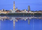 Antwerpen skyline reflecting in river — Stock Photo