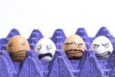 ägg med ansikten — Stockfoto