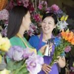Women Working In Flower Shop — Stock Photo