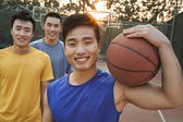 Friends on the basketball court, portrait — Stock Photo