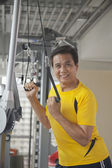 Man working out in the gym — Stock Photo