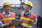 Two engineers in protective workwear — Stock Photo