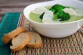 Sopa creme de brócolis com queijo — Fotografia Stock