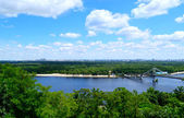 Beautiful view of Kiev river Dnipro, bridge and forest — Stock Photo