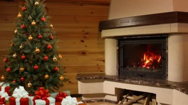 Christmas tree room. Fireplace — Vídeo Stock