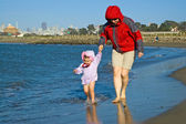 Beach walk by San Francisco Bay — Stock Photo