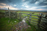Typical English Rural Scene Dry Stone Wall And Gate England UK — Stok fotoğraf