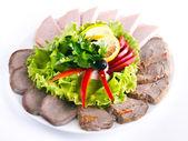 Vacker skivad maten arrangemang — Stockfoto