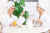 Women at spa — Stock Photo