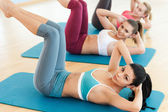 Women exercising together — Stock Photo