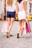 ショッピングの女の子. — ストック写真