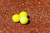 裁判所のテニス ・ ボール — ストック写真