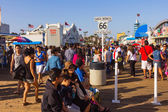 Famous Santa Monica Pier and end of Route 66 — Stock Photo