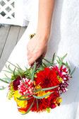 Braut Holding bouquet — Stockfoto