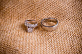 Wedding Rings and Burlap Sack — Stock Photo