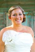 Красивая невеста в день свадьбы — Стоковое фото