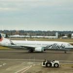 Alaska Airlines Flight Before Takeoff — Stock Photo