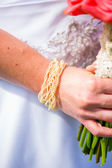 Držení kytice nevěsty — Stock fotografie