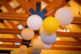 White and Yellow Paper Lanterns at Wedding — Stock Photo