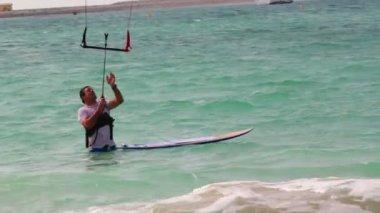 男子帆板运动、 水上运动 — 图库视频影像