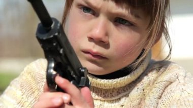 Boy with gun,boy playing weapon,little warrior — Stockvideo