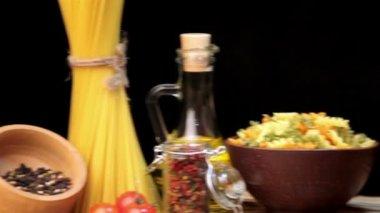 Italian spaghetti, Italian pasta ingredients — Vídeo de stock