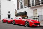 Ferrari line up in london street — Stock Photo