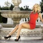 Beautiful blonde woman posing. — Stock Photo