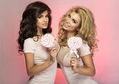 Dos hermosas chicas. — Foto de Stock