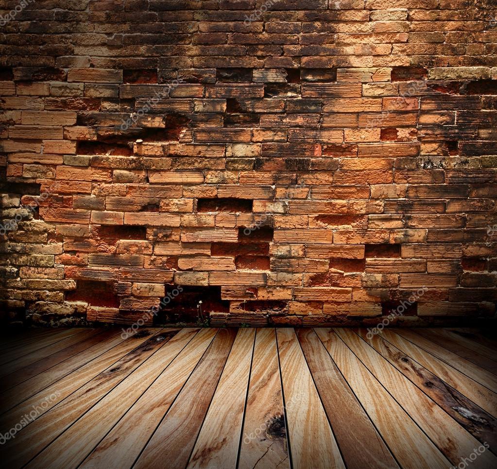 오래 된 방 벽돌 벽과 나무 바닥 — 스톡 사진 © koydesign #42391465