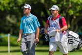 Golf Professional Louis Oosthuizen Caddy — Stock Photo