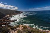 Klippen am Ozean Küste — Stockfoto